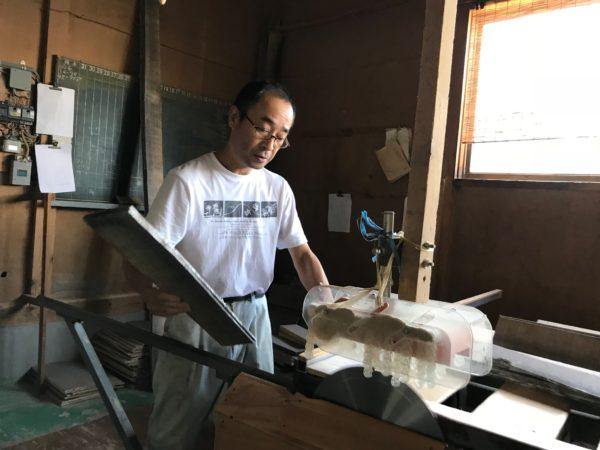 桐たんすの木取り  板を切る  「柾板」