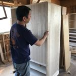 桐たんすの組み立て 新潟県H様の洋服たんすを作る5