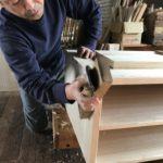 桐たんすの組み立て 新潟県H様の洋服たんすを作る3