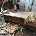 桐たんすの組み立て 新潟市T様の和たんすを作る