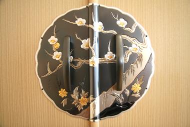 桐たんす 金具「梅」