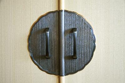 桐たんす金具「桐柾」