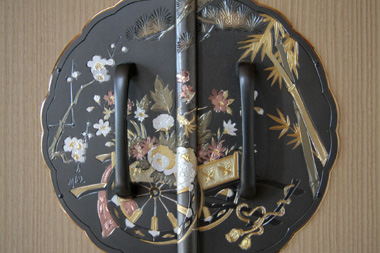 桐たんす 金具(花車)