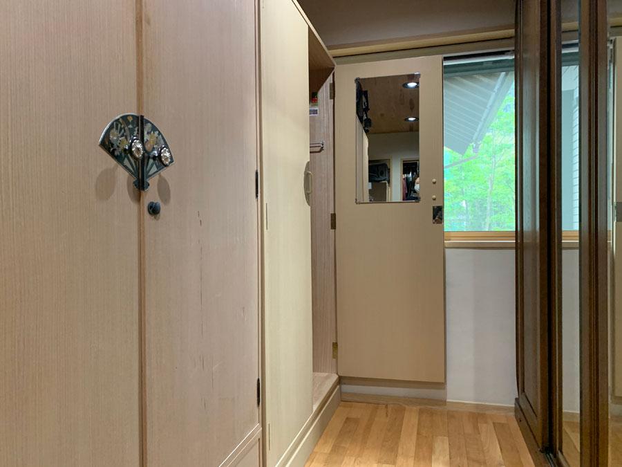 岐阜県 中島様 桐たんす 洋服たんす「梅」観音開きを開けた画像